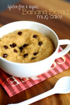 Banana Bread Mug Cake -- 5 minutes and 5 ingredients is all you need for this deliciously healthy mug cake! || runningwithspoons.com #glutenfree #vegan