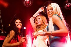 Tips To Plan The Best Hen Party, how to plan a hen party, hen party, amazing tips to plan the best hen party , best hen party, 7 Tips To Plan The Best Hen Party , bride-to-be, bride's friends, Cake & Food, Gift,