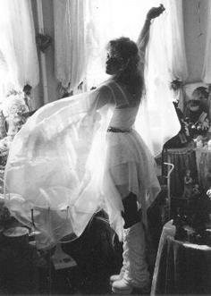 How to Dress Like Stevie Nicks - designsbybear.com (http://designsbybear.com)