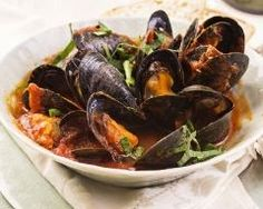 Moules à la portugaise (facile, rapide) - Une recette CuisineAZ Seafood Recipes, Cooking Recipes, Portuguese Recipes, English Food, My Best Recipe, Just Cooking, Fish And Seafood, Food Inspiration, Entrees