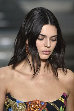 Kendall Jenner Runway, Kendall And Kylie Jenner, Jenner Sisters, Famous Girls, Kardashian Jenner, About Hair, Bella Hadid, Malta, Supermodels