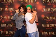 selena Gomez meet and greet pose ideas - Google Search