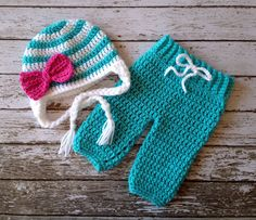 Big Bow Beanie in Teal, White and Hot Pink with Matching Pants Available in Newborn to 6 Month Size- Crochet Bebe, Crochet Bunny, Crochet Top, Baby Knitting Patterns, Filet Crochet, Crochet Costumes, Yarn Sizes, Big Bows, Crochet Clothes