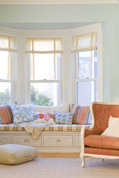 Will someone please build this window seat for me in my spare room...   then paint all of the walls this color?  Thank you!  I will love you forever!