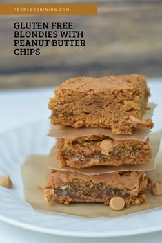 These easy to make gluten free blond brownies are a delicious snack, or top with ice cream and gooey caramel. How to make gluten free brownies tutorial. Blondies with peanut butter chips. Gluten Free Peanut Butter, Peanut Butter Chips, Peanut Butter Recipes, Gluten Free Baking, Best Gluten Free Desserts, Gluten Free Cupcakes, Easy Desserts, Dessert Recipes, Dessert Bars