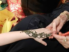 Henna Tattoo Qatar : National day henna tattoo qatar