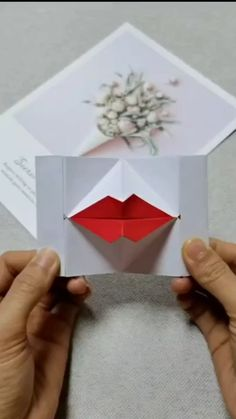 A simple tutorial to show you how to diy a lovely paper lip please us to support our work a simple tutorial to show you how to diy paper strawberry please us if you love our work Diy Crafts Hacks, Diy Crafts For Gifts, Diy Arts And Crafts, Creative Crafts, Stick Crafts, Paper Crafts Origami, Paper Crafts For Kids, Diy Paper, Paper Crafting
