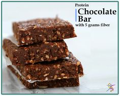 Everyone needs a treat sometimes, even if you're on a diet. Even better if that treat fits right into your meal plan so you do not even need to feel guilty. BariatricPal Chocolate Dream Protein Bars f