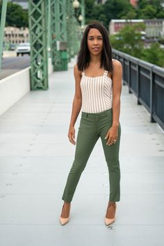 Chic Workwear for Your Summer in the Office | Time to take you workwear to the next level this summer. I'm sharing some amazing tips on creating your chic workwear look. // LivingLesh.com