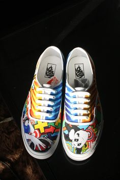 8175ca738fc5e6 custom painted breakdancing panda vans