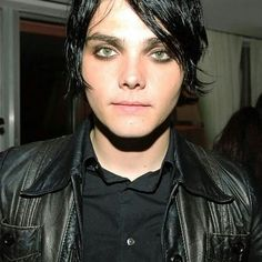 WHEN GEE LOOKIN MORE FLAWLESS THAN U WILL EVER BE