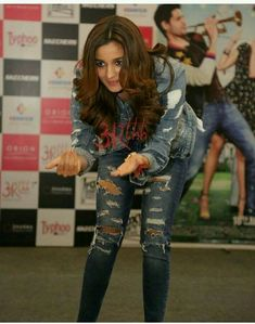 Bollywood Bikini, Bollywood Girls, Bollywood Stars, Bollywood Fashion, Hindi Actress, Bollywood Actress, Aalia Bhatt, Alia Bhatt Cute, Beautiful Girl Photo