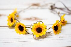 Sunflower Flower Girl Hair Wreath Tiara Sunflower Hair Barrette Sunflower  Boho Wedding Hairband Hair accessories Sunflower Clip Wedding. Svatební  Účesy ... 22548e6b3c