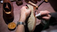 Erste Regel fürs Schuhe putzen: Hingabe   |  Vickermann & Stoya Maßschuhe - Schuhmacher, Schuhreparaturen, Schuhmanufaktur