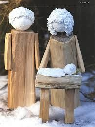 winterliche holzfiguren - Google-Suche Christmas Nativity Scene, Christmas Wood, 1st Christmas, Outdoor Christmas, Christmas Projects, Rustic Crafts, Wood Crafts, Diy And Crafts, Advent Candles