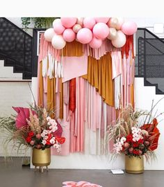 How gorgeous, in ore of this setup at wellness day ❤️ Decoration Evenementielle, Balloon Decorations, Birthday Party Decorations, Wedding Decorations, Birthday Parties, Streamer Backdrop, Streamers, Party Kulissen, Party Time