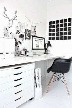 Obsessed with this black, white and pink space!