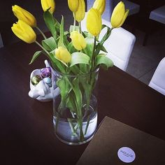 "#repost from @diandra.rf ""Belated Easter brunch with @indulgechocolat #tarts #tulips #easter #indulgechocolat"""