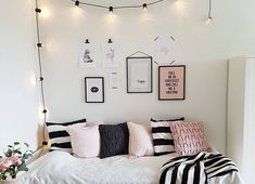 leuke slaapkamers voor tieners - Apocalypse Now And Then Home Bedroom, Girls Bedroom, Girl Room, Bedroom Decor, Awesome Bedrooms, Cool Rooms, Nice Bedrooms, Cute Room Ideas, Teenage Room
