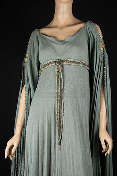 Keira Knightley - King Arthur (2004) (1920×2880)