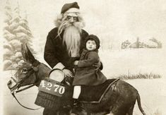 The Creepiest Santa Photos Ever!