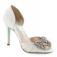 Tendências Noivas 2014 - sapato aberto com laço brilhante #Modcloth #casarcomgosto