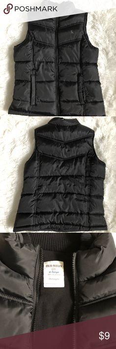 Girls Old Navy black vest Girls Old Navy black vest with fleece lining and front pockets Old Navy Jackets & Coats Vests