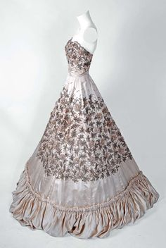 1950's Pedro Rodriguez Haute-Couture Champagne Embroidered Beaded Satin Gown 4    jαɢlαdy