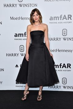 Dakota channeled her inner Audrey Hepburn in this full, feminine dress.