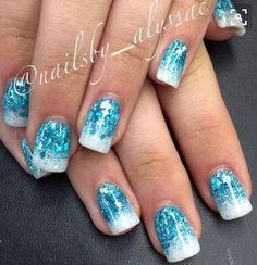"Image via Pieces Of Amazing ""Frozen"" Nail Art Image via Frozen inspired nails! Ice blue glitter faded into white glitter! Image via B Frozen Nail Art, Frozen Nails, Frozen Art, Disney Frozen, Blue Glitter Nails, Blue Acrylic Nails, Glitter Acrylics, Silver Nail, Glitter Wine"