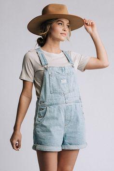Levi's Vintage Shortalls in Light Wash Denim - Source by svnrisetown - Short Outfits, Trendy Outfits, Summer Outfits, Cute Outfits, Fashion Outfits, Fashion Blogs, Summer Clothes, Fashion Fashion, Womens Fashion