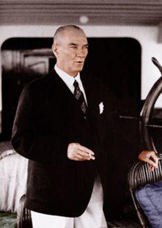 Mustafa Kemal Ataturk, first president of the Republic of Turkiye. Ataturk fought hard to make Turkiye a secular democratic modern nation. Coco Chanel, Elie Saab, Turkish Army, The Valiant, Great Leaders, World Peace, Fashion Moda, Men's Fashion, World Leaders