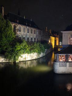 En Brugge at night. So charming!