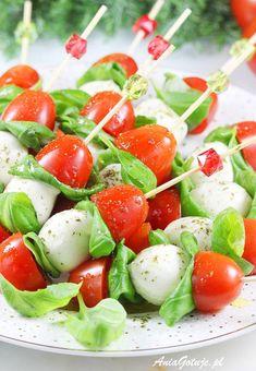 Koreczki | AniaGotuje.pl Brunch, Snacks Für Party, Caprese Salad, Grilling, Appetizers, Food And Drink, Cooking, Shower, Home Kitchens