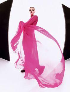 """Duchess Dior: """"Bubble Gum Punk"""" ELLE UK April 2021 Purple Fashion, High Fashion, Punk Princess, Bubble Gum, Pretty In Pink, Dior, Bubbles, Valentino, Editorial"""