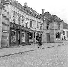Baneveien fra marcus.uib.no Bergen, Norway, Street View, History, Vintage, Pictures, Historia, Vintage Comics, Mountains