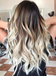 24 Beautiful Balayage Bombre and Ombre Hair Color Trends for 2018 We'. 24 Beautiful Balayage B Color Ombre Hair, Best Ombre Hair, Hair Color Balayage, Brown Hair Colors, Hair Highlights, Ombre Style, Hair Colours, Blonde Color, Blonde Hair With Brown Highlights