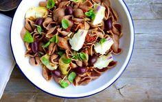 Pastasalaten er tilbage - Klassisk pastasalat med et twist.