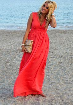 Vestido largo liso plisado escote mangas gasa rojo