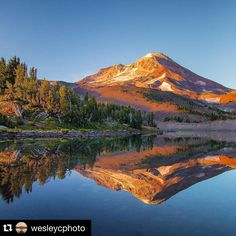 South Sister * Cascade Mountains * Bend, Oregon. #visitcentraloregon @wesleycphoto with @repostapp. ・・・ CAMP ⛺️ LAKE /|\ So glad I didn't decide to just lay in my tent all morning! #southsister #theNWadventure #jj_oregon #youroregon #bestofnorthwest