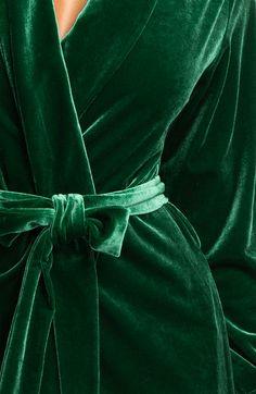 Oscar De La Renta - green velvet robe Luxurious ideas for your Christmas #christmas #luxury #giftideas