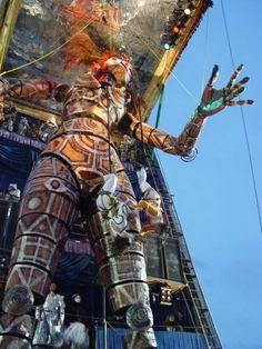 Nel 1988, con Corinne Roger, vincono il I Premio Carri di I Categoria al Carnevale di Viareggio; vincono di nuovo nel 2004 e nel 2012 http://musapietrasanta.it/content.php?menu=artisti