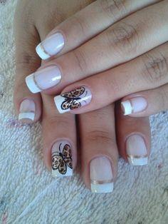 Uñas de color blanco y bonitas :D
