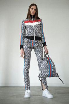 Pam & Gela Fall 2019 Ready-to-Wear Fashion Show - Vogue Dope Fashion, Sport Fashion, Fashion 2020, Urban Fashion, Runway Fashion, Fashion Show, Fashion Trends, Mode Masculine, Moda Dope