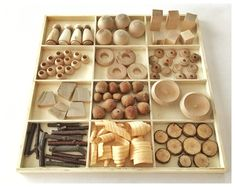 Everything you need to know about loose parts play Sensory Activities For Preschoolers, Montessori Activities, Reggio Emilia, Art For Kids, Crafts For Kids, Art Cabinet, Make A Game, Small Blankets, Yogurt Cups