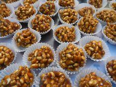 Už žádné trápení u žhoucí trouby! Vynikající nepečené Vánoční kuličky na několik způsobů! | Prima Mini Cupcakes, Muffin, Food And Drink, Drinks, Breakfast, Desserts, Christmas, Candy, Drinking
