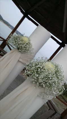 Columns Decor, Wedding Colors, Wedding Flowers, Baptism Outfit, Wedding Gifts For Guests, Centerpieces, Table Decorations, Gypsophila, Colour Board