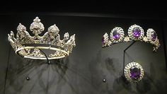 On the left: The Londonderry tiara. A much revised version of the tiara worn by the Marchioness of Londonderry to the Devonshire House Ball of 1897. Also worn at the coronation of Edward VII in 1902. On the right: The famous amethysts given by Tsar Alexander I to Lady Londonderry in 1821, which were later mounted in diamond-set clusters to form a long stomacher and a tiara.