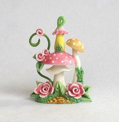 Miniature Toadstool Mushroom Whimsy Rose House Polymer Clay Fairy, Cute Polymer Clay, Polymer Clay Miniatures, Fimo Clay, Polymer Clay Projects, Polymer Clay Creations, Clay Fairy House, Fairy Houses, Clay Jar