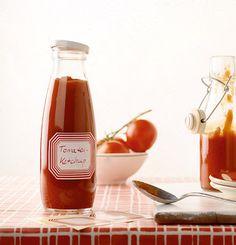 Rezept für Tomatenketchup bei Essen und Trinken. Und weitere Rezepte in den Kategorien Gemüse, Kräuter, Einmachen, Kochen, Einfach, Fettarm, Gut vorzubereiten, Kalorienarm / leicht, Klassiker. Für Currywurst ...
